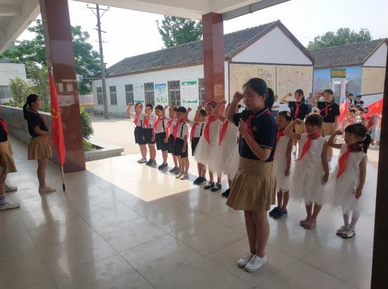 八公山乡 大泉小学举行庆六一主题队日活动暨新队员入队仪式
